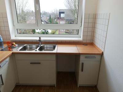Küche mit Tischklappe